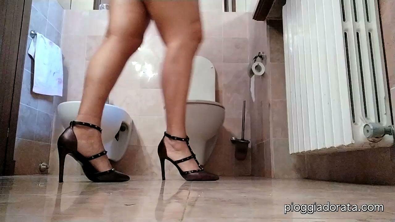personal toilette by pioggiadorata.com